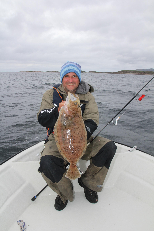Ein besonderer Fang: Jesco mit einem 56 Zentimeter langen Flügelbutt aus Norwegen