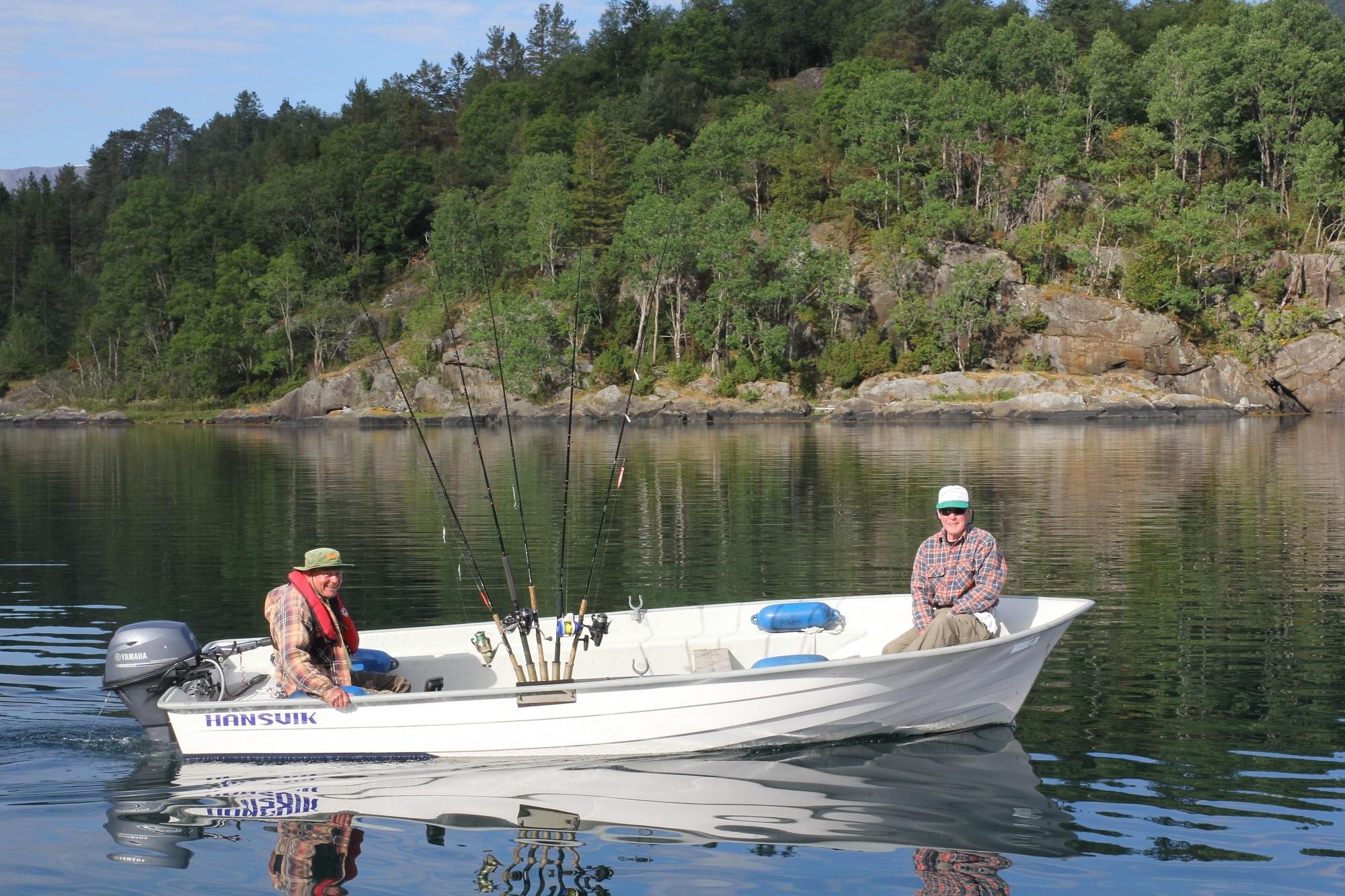 Motiviert stachen auch die anderen Gäste des Camps in See und kamen am Abend mit vollen Fischkisten wieder
