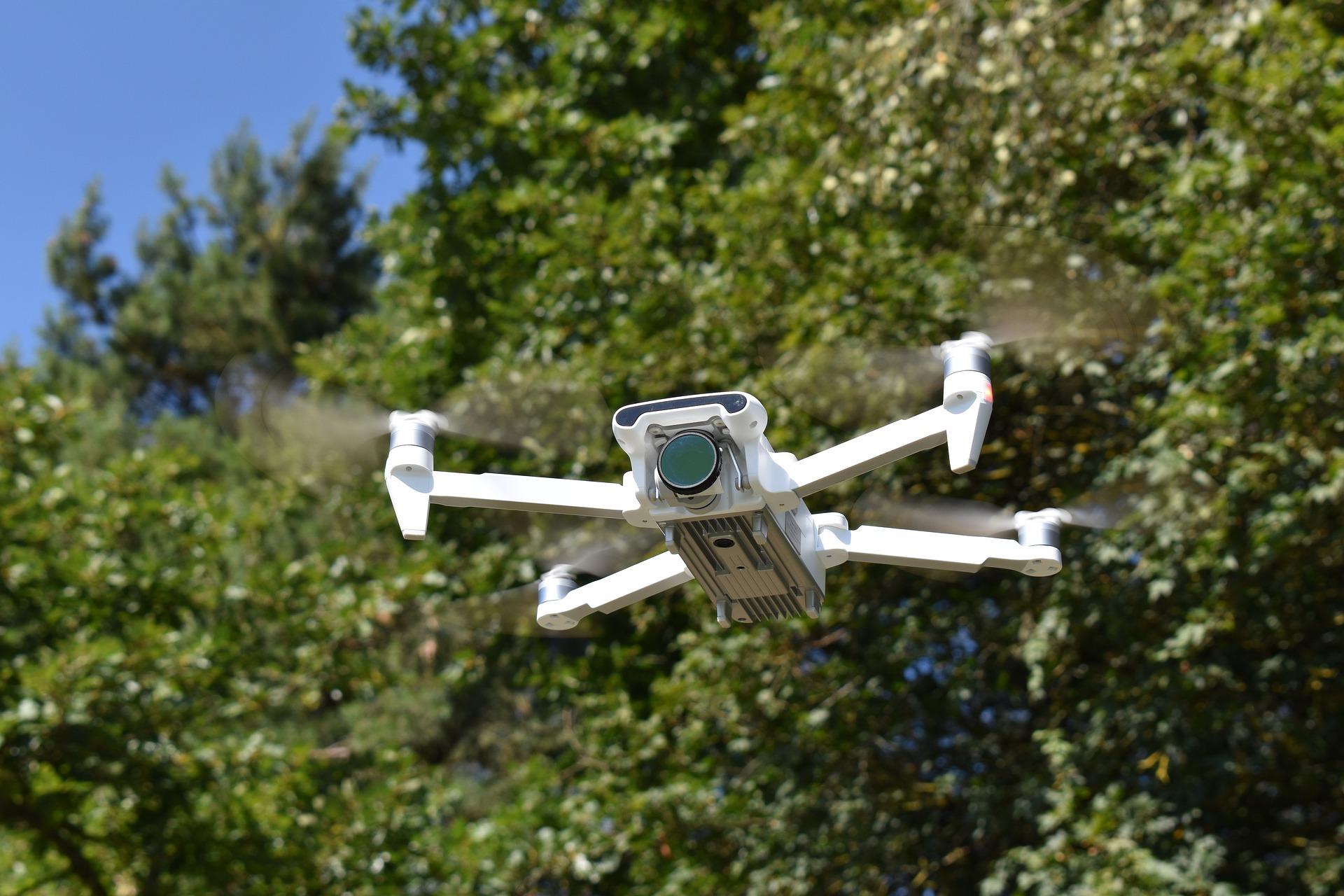 drone-5115739_1920.jpg