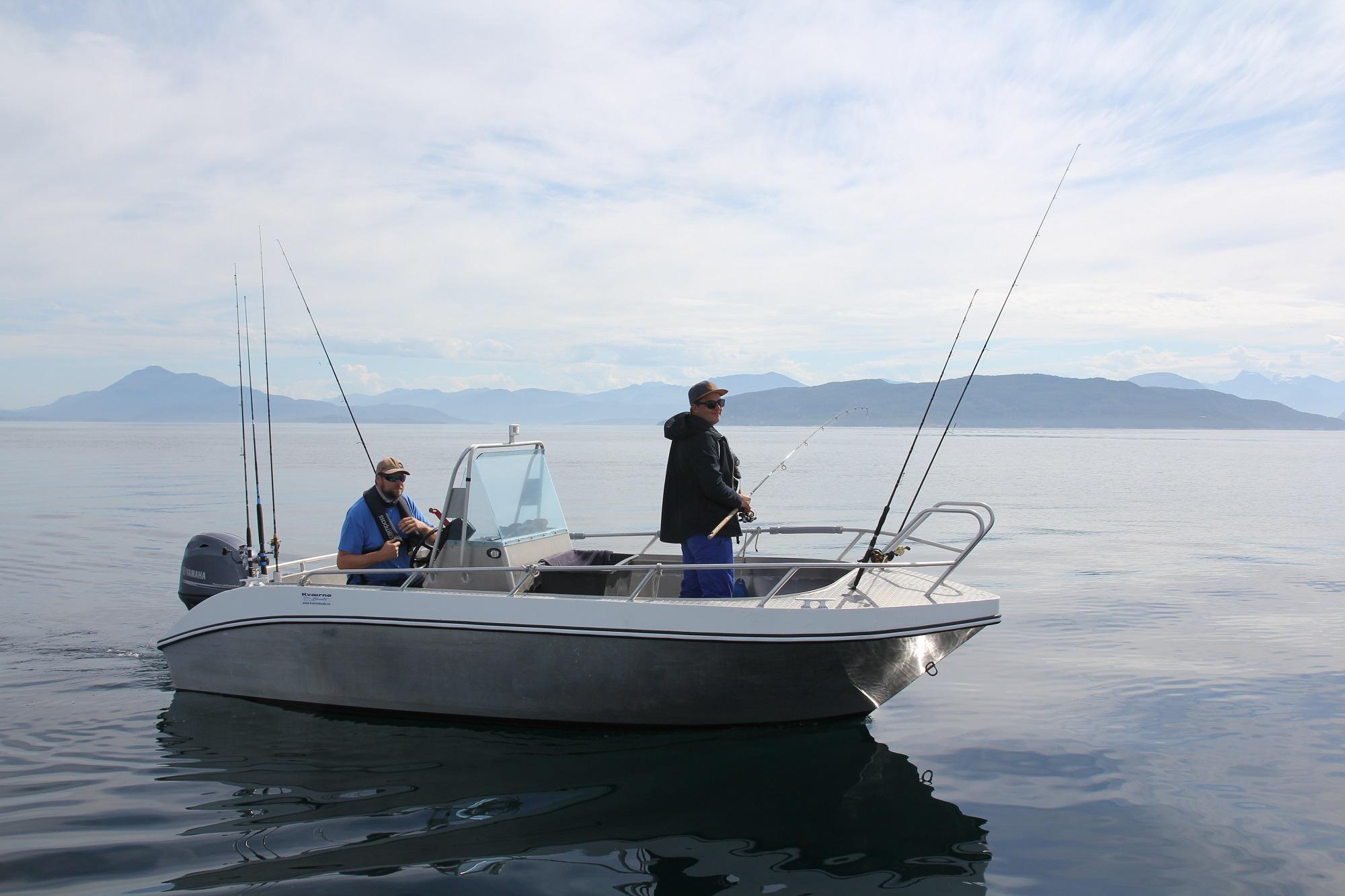 Boote von 15 bis 50 PS stehen zur Verfügung
