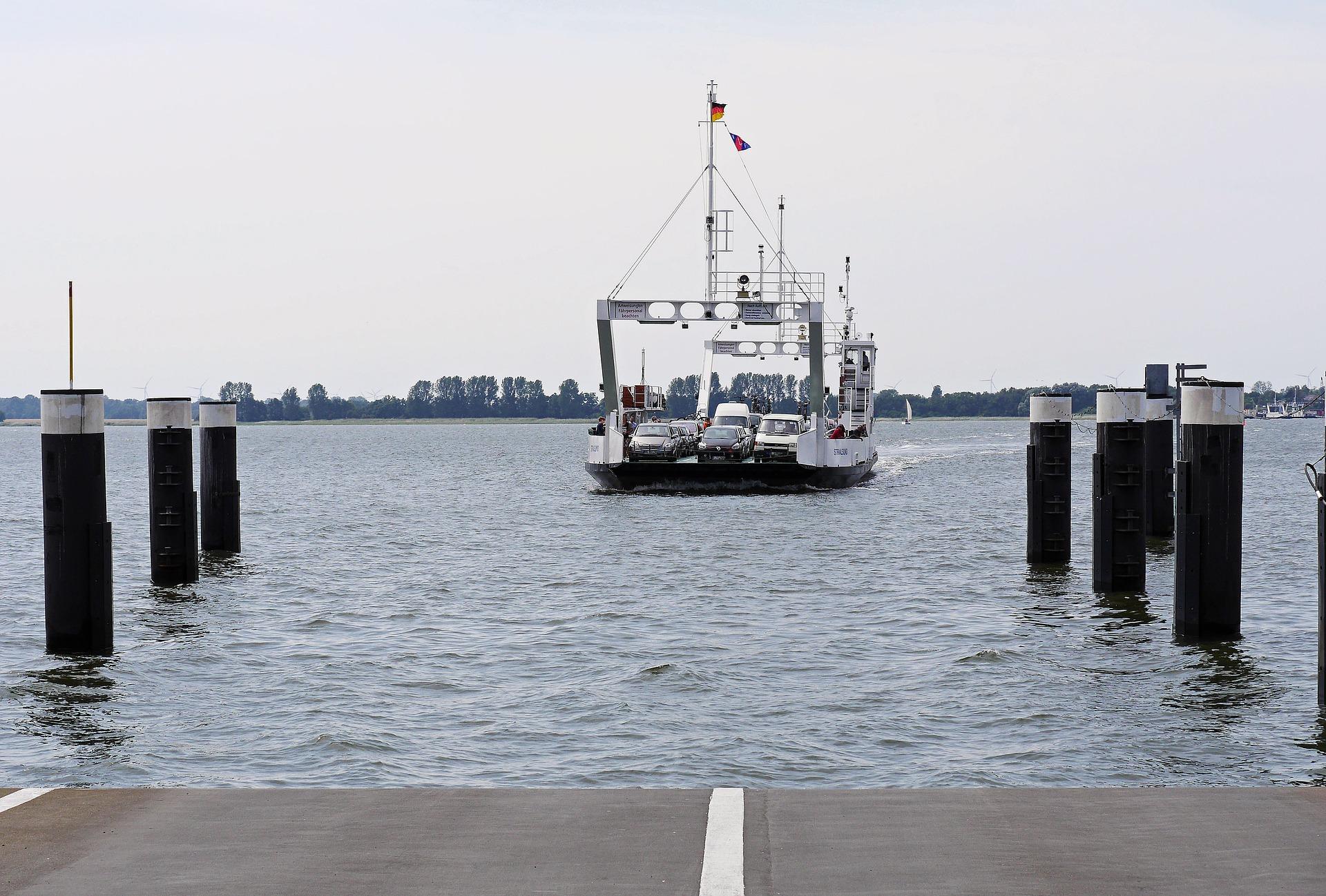 rugen-ferry-2278046_1920.jpg