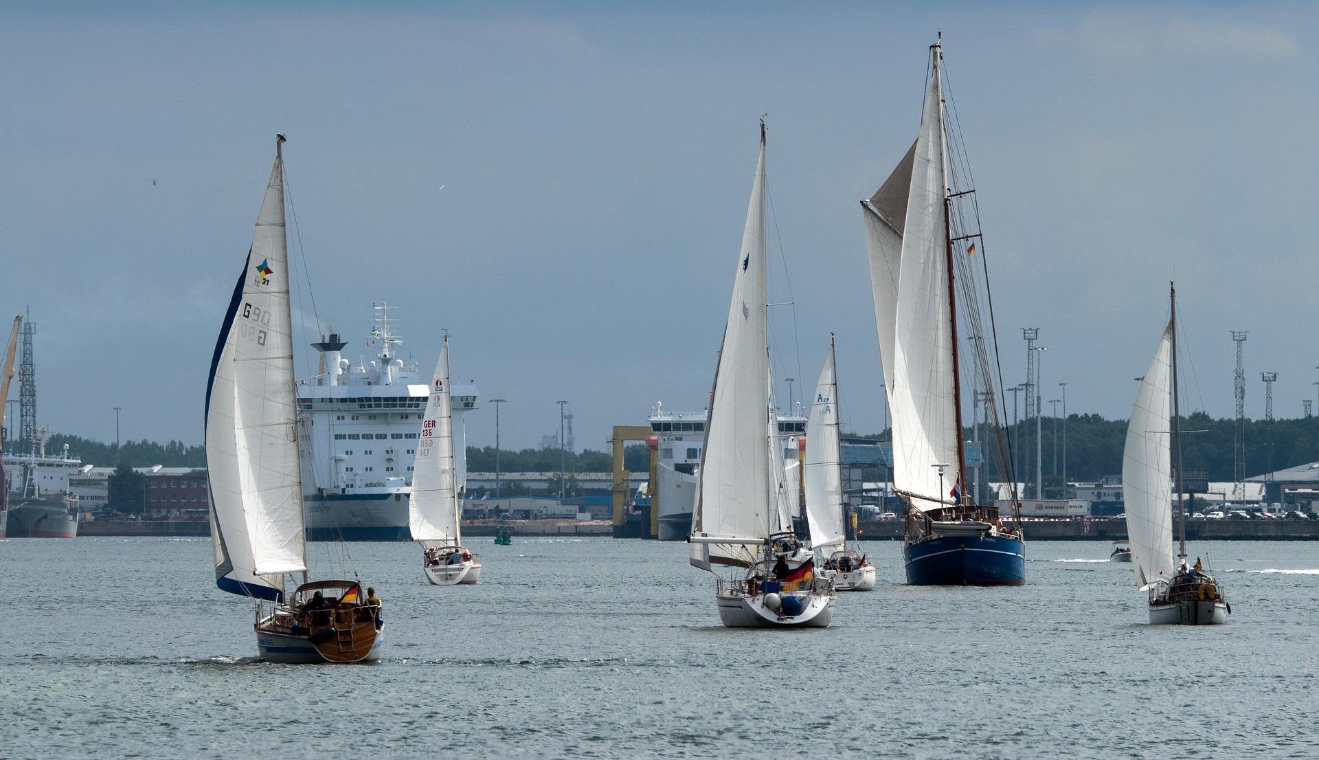 sailing-ships-4443273_1920.jpg